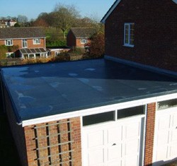 Rubber roof on double garage